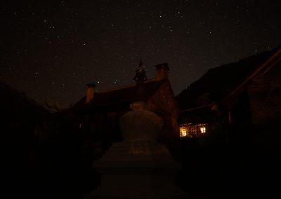 Stupaplatz-bei-Nacht