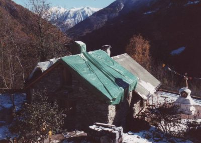 Dharmahaus verpackt im Winter 1997/98