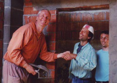 Dharmahausbau 1998 Lama Öser, Peter und ?