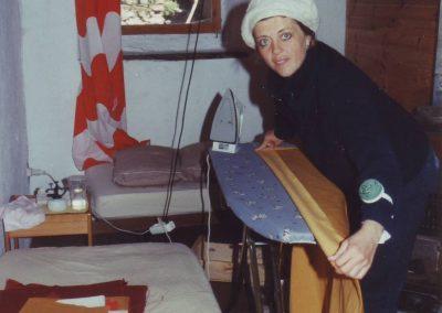 Vorhänge nähen fürs Dharmahaus 1998 Sabine