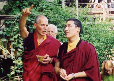 Karmapa mit Lama Tashi 2004